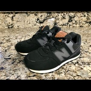 ***Old School New Balance 574 shoes****